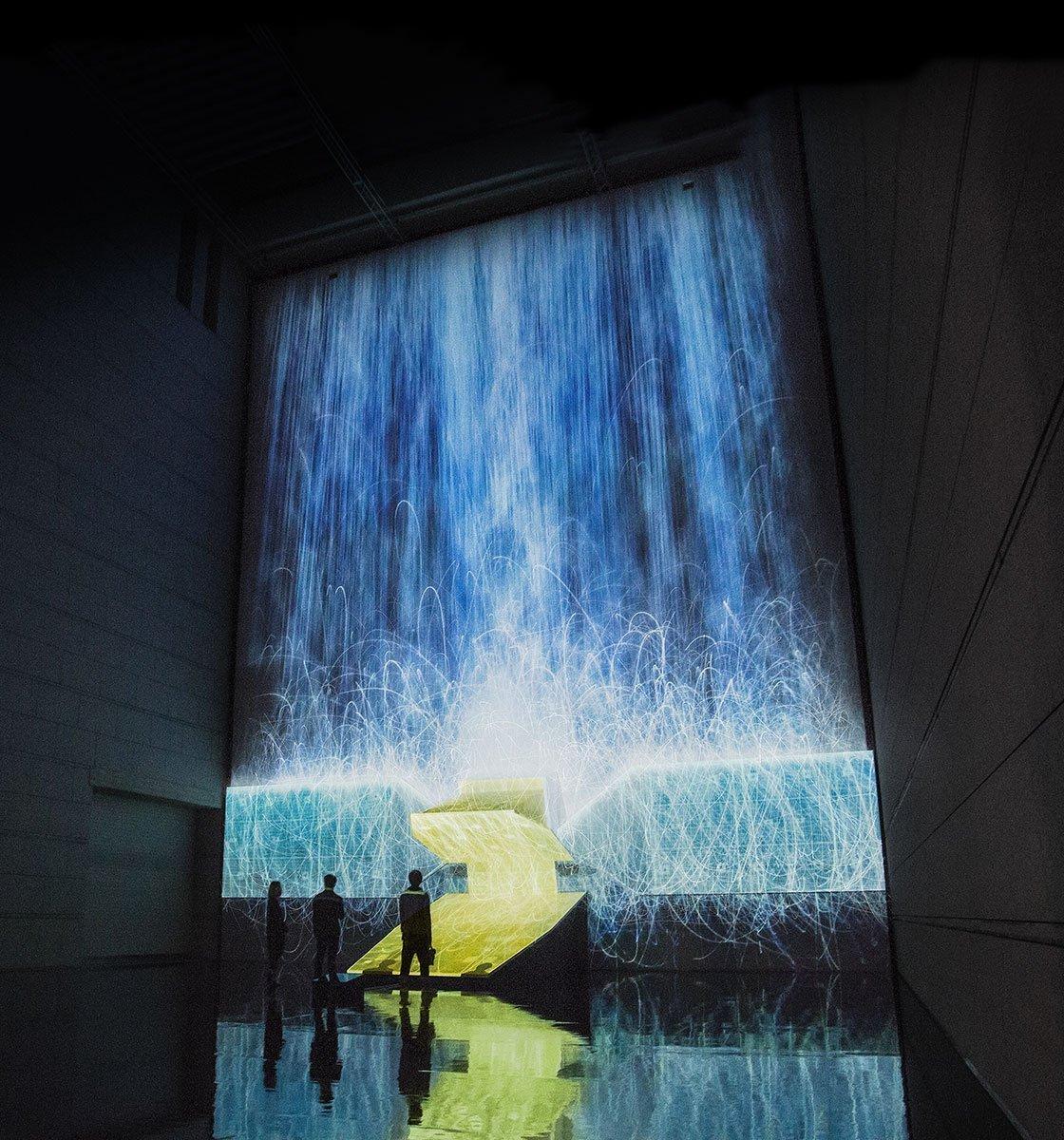 Künstlicher Wasserfall im Museum of Contemporary Art in Tokio | Strom Online – Energie erleben