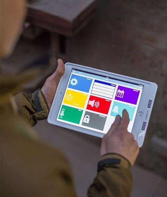 Tabletbedienung für die Kirchturmsteuerung in der H.Rüetschi AG in Aarau | Strom online – Energie erleben